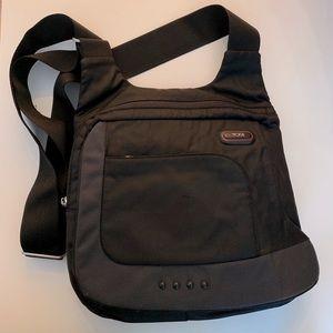 Tumi 5123D Black Nylon Crossbody Messenger bag